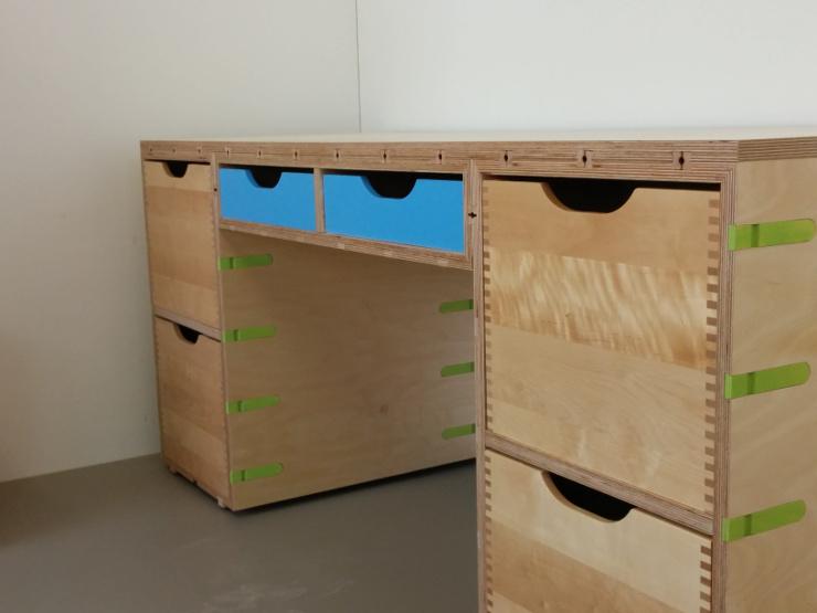 Schreibtisch für Jugendzimmer